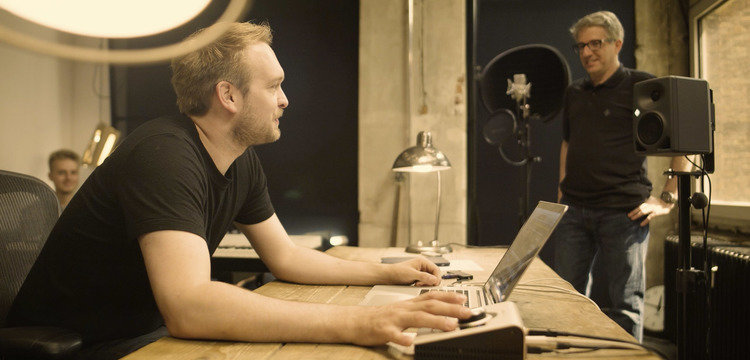 Recording Vocals in Your Home Studio -  Part 1 - Recording Workshop