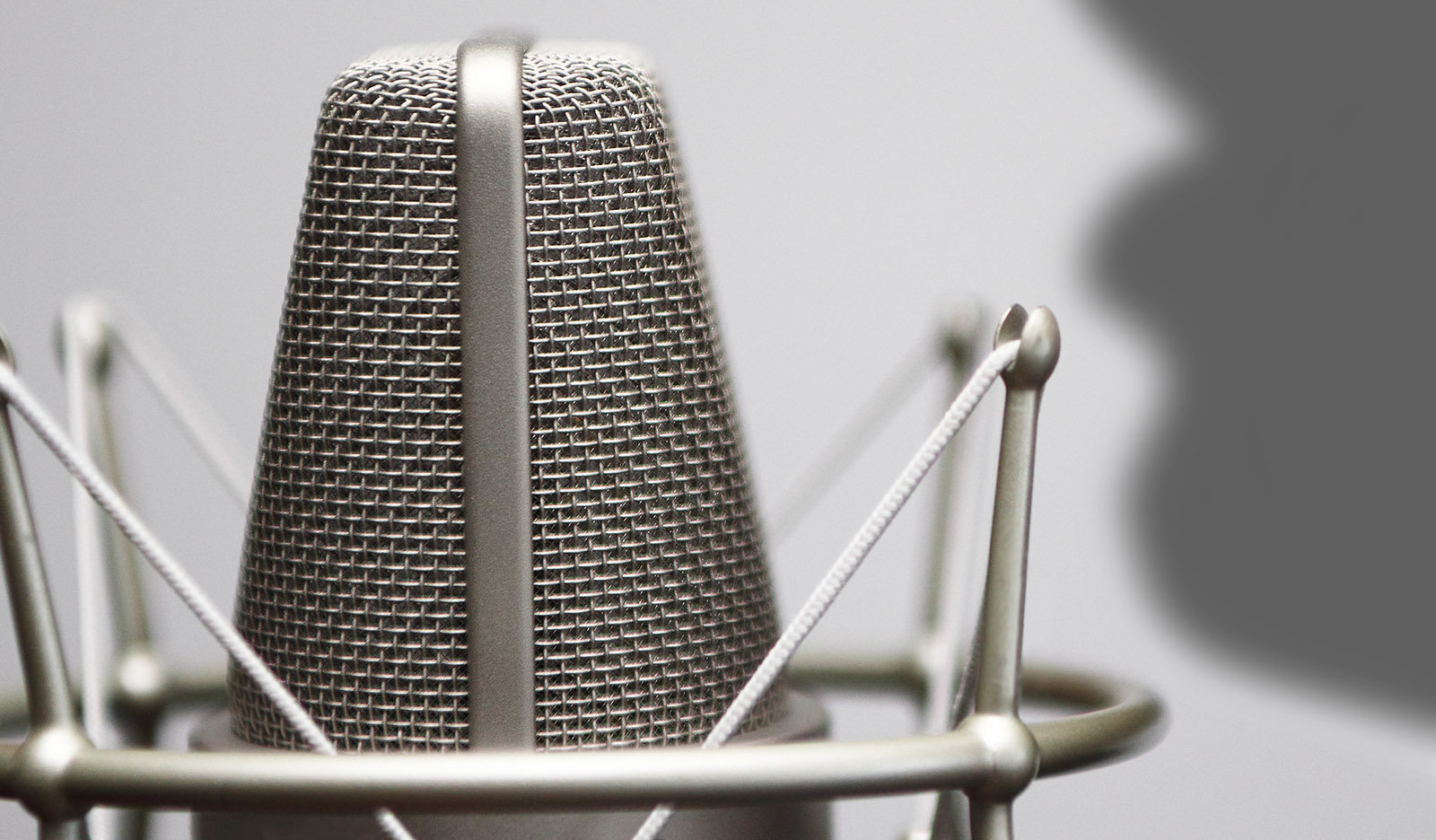 Microphone Basics: What Is the Proximity Effect?