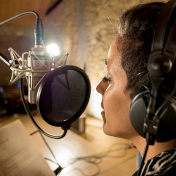Recording Vocals in Your Home Studio -  Part 2 - Recording Workshop