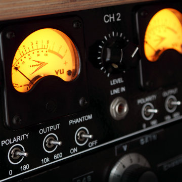 What are the Basic Features and Functions of a Preamp?